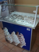 Frisani Softeis Frozen Yogurt-Bar Vitrine